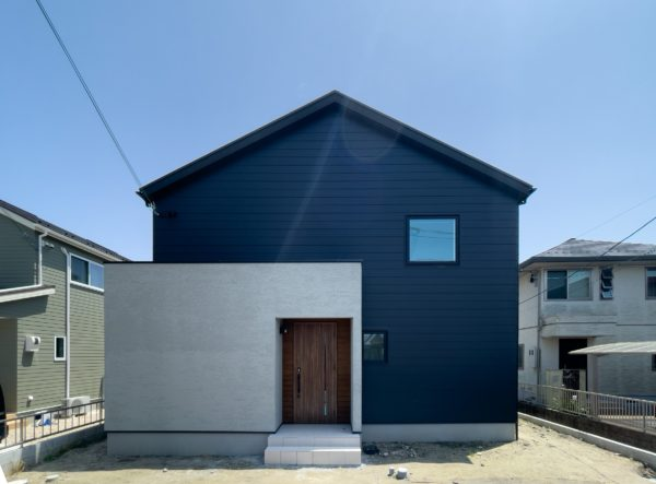 Galvalume× Plaster wall house